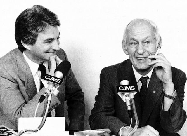 René Lévesque (à droite) en entrevue avec Gilles Proulx en 1986.