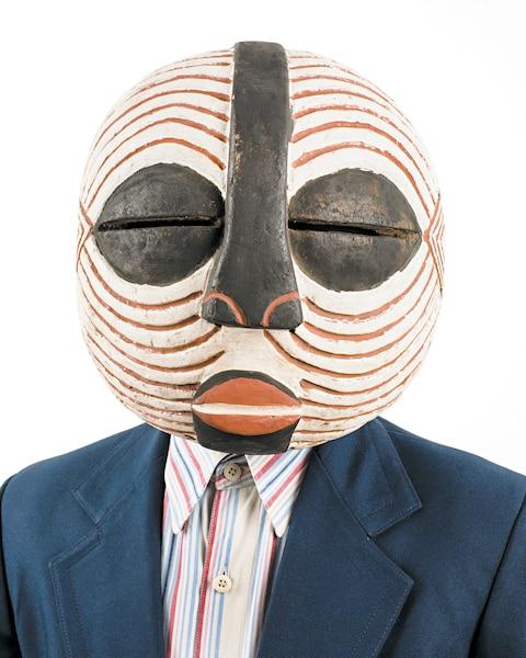 <b>Emmanuel C. Bofala,  série Tipo Passe</b><br /> <b>2014 - Épreuve à développement chromogène</b><br /> Grâce aux artistes contemporains d'ascendance africaine, les points de vue sur une histoire de l'art universelle se multiplient. Œuvre d'Edson Chagas (né en 1977) - Collection particulière.