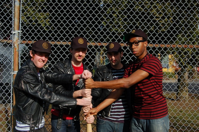 Isotopes (photo), Raygun Cowboys et The Penske File: «C'est des groupes sur Stomp, mais je n'ai pas encore entendu les chansons de leurs nouveaux albums sur scène!»