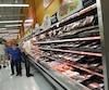 Le gouvernement provincial compte imposer un étiquetage uniformisé aux détaillants. «Empaqueté le» et «meilleur avant» devront donc se retrouver sur tous les produits préemballés d'une durée de conservation de 90 jours ou moins, y compris sur les paquets de viande et de volaille.