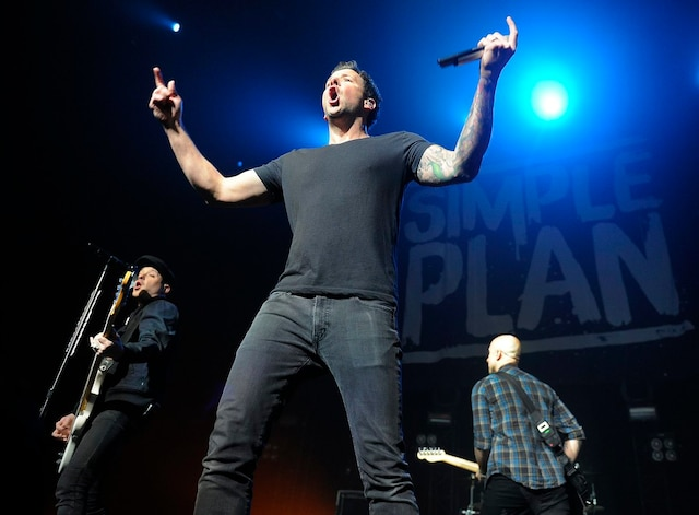 Simple Plan était en spectacle au Centre Vidéotron le lundi 13 mars 2017.