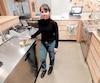 À défaut de pouvoir offrir à ses clients de la laitue romaine, Bernadette Perron, employée du restaurant Lola Rosa de la rue William, leur propose d'autres options.
