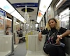 Aicha Guissé était bien heureuse de s'assoir pour la dernière fois dans un MR-63 de la ligne orange du métro de Montréal ce mercredi, mais elle avoue préférer les voitures AZUR puisqu'elles sont mieux adaptées à notre époque.