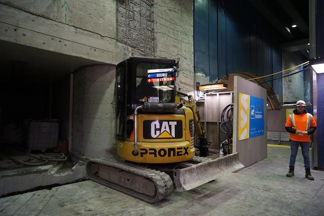 Visite avec les équipes d'entretien du Métro de Montréal, à Montréal, Quebec,Canada. Le jeudi 11avril, 2019. Sur cette photo: Réparation d'un mur de soutient MARIO BEAUREGARD/ AGENCE QMI