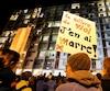 Des dizaines de personnes s'étaient réunies le 19 octobre dernier sur le campus de l'Université Laval pour dénoncer la violence sexuelle.