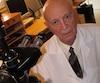Gaston Naessens pose dans son laboratoire en mars 2005.