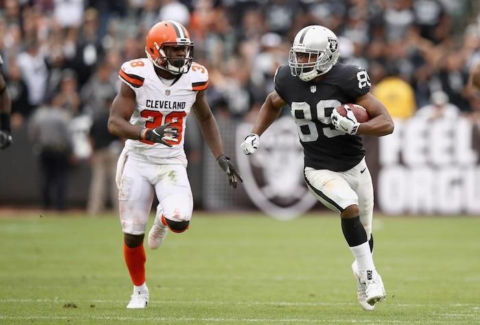 Cleveland Browns v Oakland Raiders