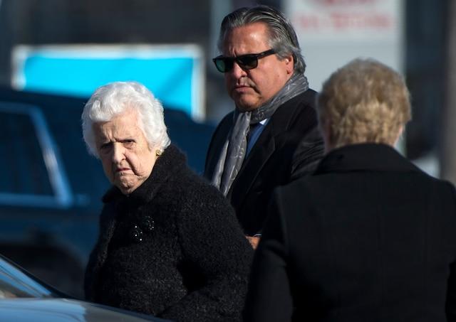 La famille Dion reçoit les condoléances suite au décès de Daniel Dion, le frère de Céline Dion, au Salon Charles Rajotte, à Repentigny, samedi 23 janvier 2016. Sur cette photo: Thérèse Tanguay Dion.  JOEL LEMAY/AGENCE QMI