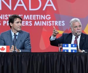 Les premiers ministres des provinces et du Canada étaient réunis à Ottawa le mardi 3 octobre 2017. Sur la photo: le premier ministre du Canada, Justin Trudeau, et le premier ministre du Québec, Philippe Couillard.