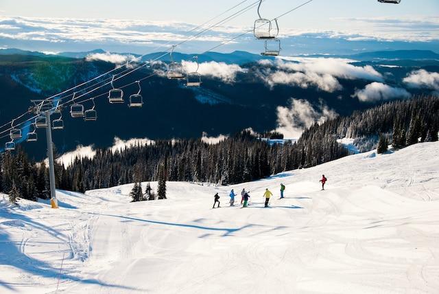 Skieur sur la piste Crystal Bowl, à Sun Peaks, en Colombie-Britannique.  SIMON DIOTTE/AGENCE QMI