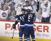 Les Jets de Winnipeg ont fait un rare cadeau à leurs partisans vendredi en atteignant le second tour des séries éliminatoires de la Ligue nationale de hockey (LNH).