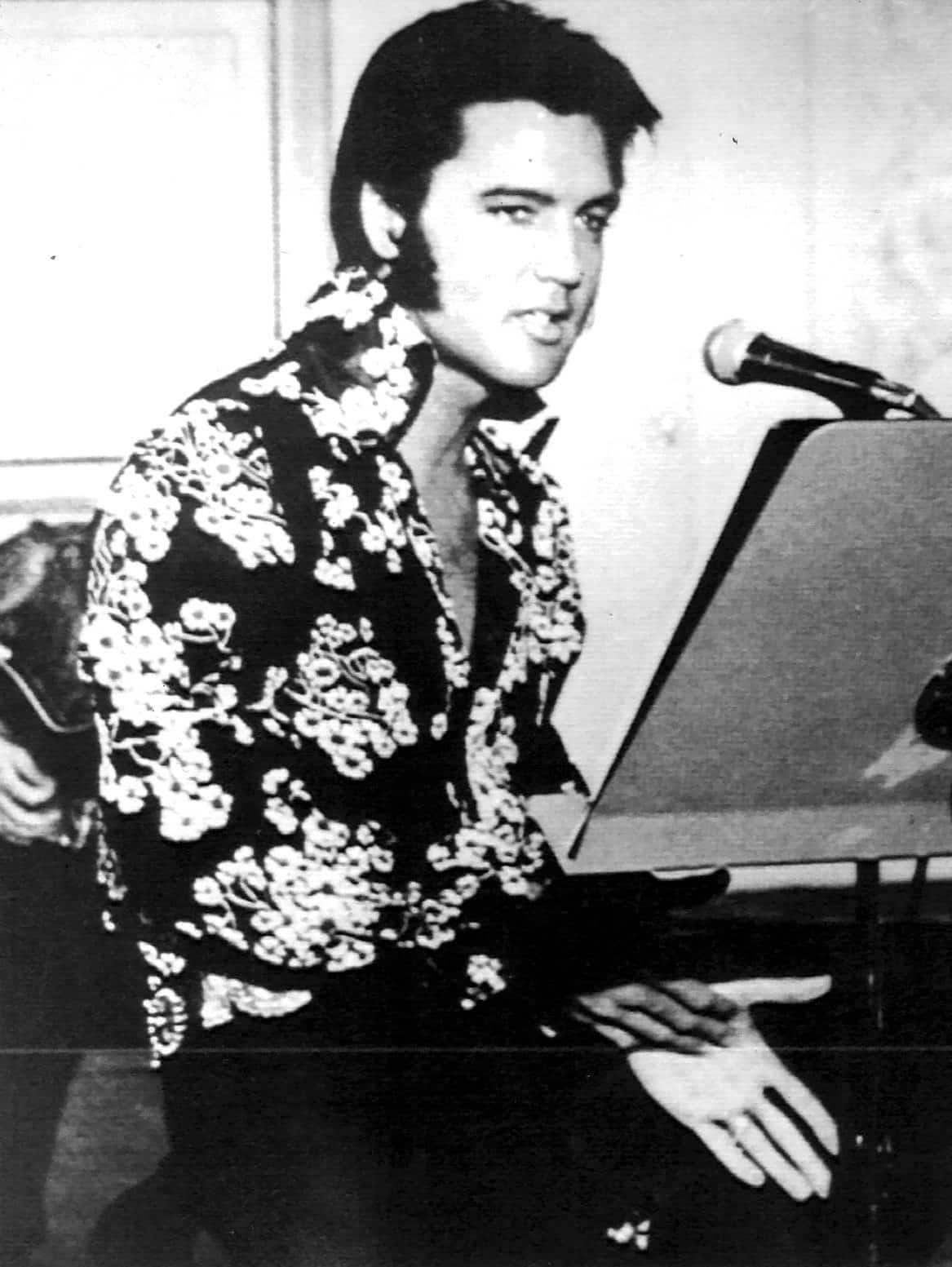 combien grand était le pénis d'Elvis lesbienne porno vidéos gros seins