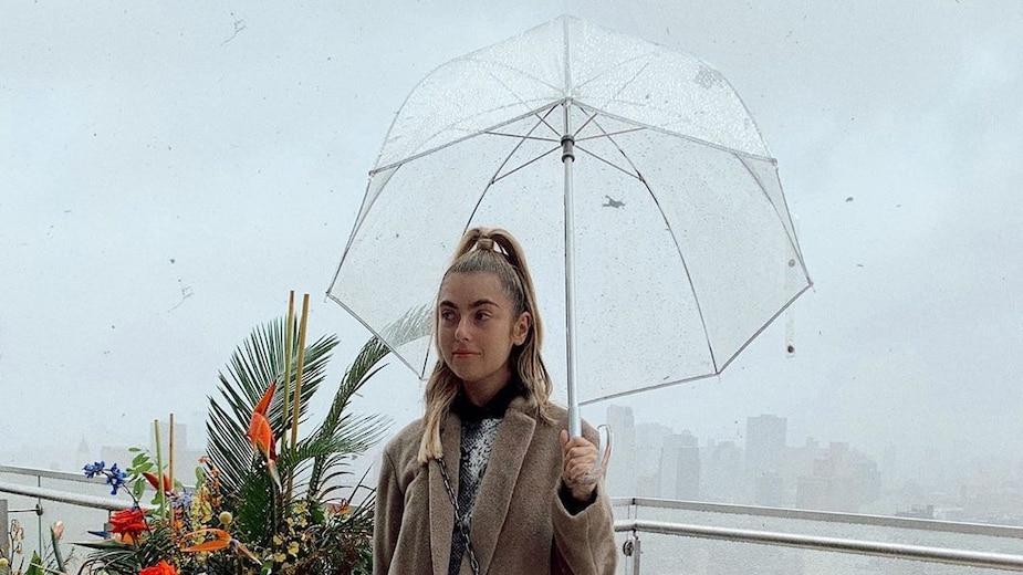 Image principale de l'article 11 idées coiffures à adopter par temps de pluie