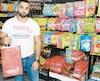 Rami Hijazi, le fondateur de Yumee, dans un des trois centres de distribution de l'entreprise qui fait la livraison de casse-croûtes et de repas chauds.