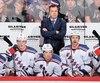 L'entraîneur en chef des Rangers, Alain Vigneault, doit composer avec une situation inhabituelle à New York.