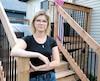 Carolane Michaud, 25 ans, a dû être opérée d'urgence pour une virulente bactérie après avoir accouché à l'hôpital de Saint-Eustache, le 23décembre dernier. Elle a craint pour sa vie, et en garde de lourdes séquelles physiques.