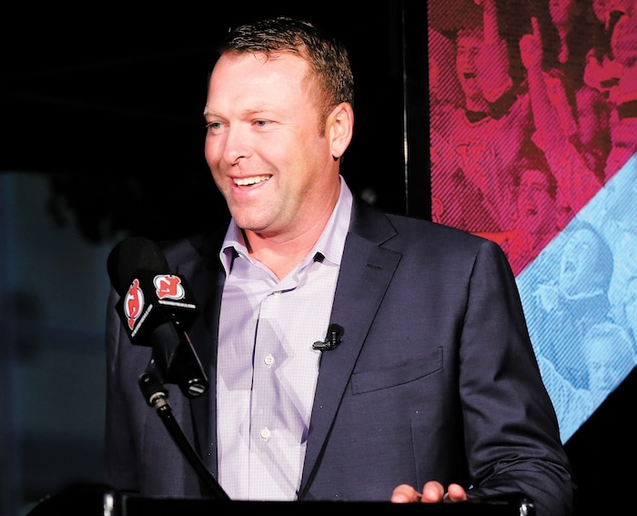 Martin Brodeur vient de réorienter sa carrière, ce qui lui permettra de toucher à l'aspect business du hockey.