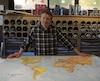 François Damien a plus de 15 000 cartes géographiques en stock pour tous les budgets dans sa boutique de la rue Ontario.