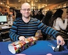 Les grèves tournantes effectuées par les employés de Postes Canada n'ont pas affecté la boutique de jouets Chat Perché que gère André Nadeau (photo), mais elles ont poussé les gens à y faire leurs achats de Noël plus tôt qu'à l'accoutumée.