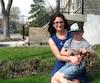 Audrey Lozier-Sergerie aurait aimé que son petit Jacob, 5 ans, puisse aller à la maternelle de son école de quartier. Elle s'inquiète pour son fils, qui devra aller dans un service de garde à Terrebonne pour être emmené vers une école de Mascouche.