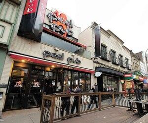 Le promoteur Giorgio Tartaglino a acquis plusieurs immeubles des rues Peel et Cypress pour 42millions$. Les sept propriétés, entre le boulevard René-Lévesque et la rue Sainte-Catherine, incluent les locaux du Peel Pub (photo).