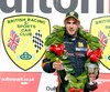 Le jeune pilote québécois Patrick Dussault est un abonné de la plus haute marche du podium au Championnat britannique de Formule 1600.