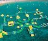 Une image prise par le fournisseur du jeu, à un autre endroit que le lac Pohénégamook, qui démontre bien dans son ensemble ce à quoi ressemble la structure gonflable.