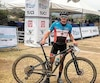 Raphaël Gagné a pris la pose quelques minutes après avoir remporté le Championnat panaméricain de vélo de montagne samedi, au Mexique.