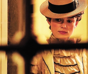 Keira Knightley dans Colette.