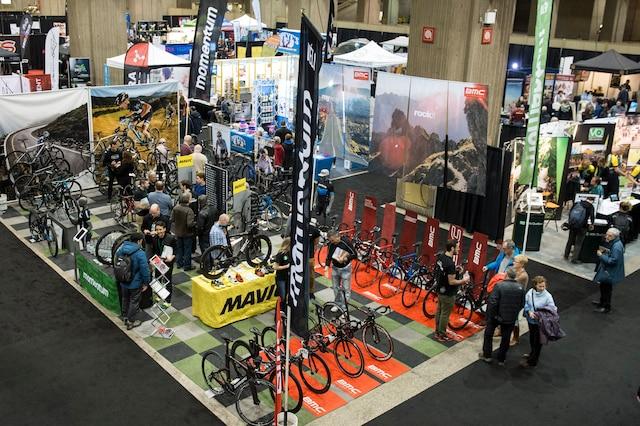 Le 14e Salon du vélo de Montréal se poursuit jusqu'à dimanche.