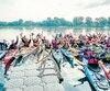 La 5<sup>e</sup> édition du Circuit bleu Charles-Bruneau a été lancée ce matin, à Lachine. La centaine de participants progressera au fil des prochains jours autour de l'île de Montréal, en kayak.