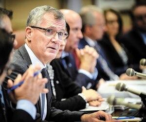 Le PGD Pierre Gabriel Côté, photographié ici en commission parlementaire, l'automne dernier, mène la «transformation» d'Investissement Québec. Elle passe par de nouvelles embauches, comme celle de Marie Zakaïb.