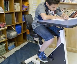 De 5 % à 8 % des enfants présentent un trouble du déficit de l'attention avec ou sans hyperactivité (TDAH). Les garçons ont trois fois plus de risque d'être atteints que les filles.