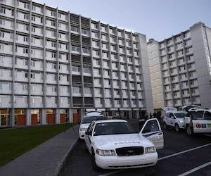 La police de Québec enquête sur 10 plaintes d'intrusion de domicile à l'UL, dont certaines à teneur sexuelle.