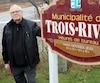Le maire Lucien Mongrain, âgé de 85ans, est très fier que sa municipalité de Trois-Rives, située en Mauricie, n'ait aucune dette.