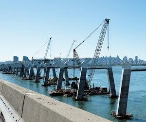 Les grues du futur pont Champlain étaient toutes inanimées encore hier.