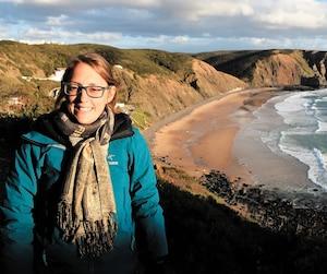 Chloé Labrie, âgée de 28ans, est décrite comme une amoureuse de la nature et du plein air par ses proches. Elle avait récemment fait un voyage en Europe avec son amoureux avant de retourner au travail, à Kuujjuaq, dans le Nord-du-Québec.