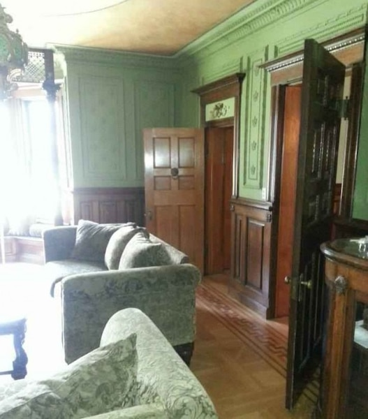 Les maisons hant es au qu bec et dans le monde for Old home interior pictures for sale