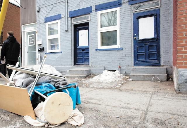 Environ 6 locataires ont été évacués de ce bâtiment situé sur le rue de Chateauguay, à Pointe Saint-Charles.