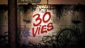 Alexandre Veilleux réclame 45 000 $ à Radio-Canada et à la maison de production de Fabienne Larouche pour avoir publié et altéré son tag sans sa permission dans le générique de l'émission 30 vies. Le tag apparaît ici en bleu sous le titre de la série.