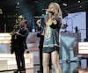 Céline Dion a profité de son retour sur scène au Colosseum du Caesars Palace pour enfiler le gilet du hockeyeur Marc-André Fleury, le gardien de but québécois des Golden Knights de Vegas.