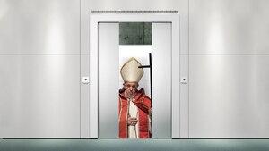 Le pape bloqué dans un ascenseur