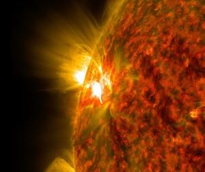Soleil étoile éruption solaire astronomie
