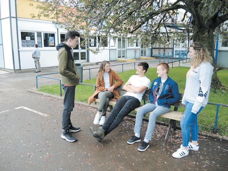 Des zones de lecture ont été aménagées à l'intérieur du collège Duplessis-Deville afin de redonner le goût aux élèves de lire pendant les pauses.