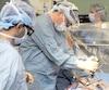En raison d'une pénurie d'infirmières spécialisées au bloc opératoire, l'hôpital Royal Victoria est obligé de fermer deux salles d'opération pour l'automne. Des chirurgies prévues seront toutefois transférées dans des plages horaires flexibles du bloc.
