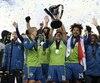 Les joueurs des Sounders ont soulevé la coupe MLS pour la première fois de leur histoire, après leur victoire en tirs de barrage contre le Toronto FC.