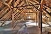 La présence d'amiante au grenier réduit-elle la valeur de la maison?