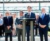 Justin Trudeau a confirmé la participation d'Ottawa, à hauteur de 1,3 milliard $, au financement du train de la Caisse. Le premier ministre canadien a fait cette annonce jeudi, en compagnie du PDG de la Caisse, Michael Sabia, du maire de Montréal, Denis Coderre, et du premier ministre du Québec, Philippe Couilard.