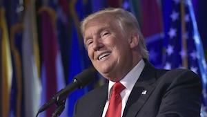 Image principale de l'article Un site de fausses nouvelles s'excuse pour Trump