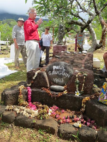 Tombe du peintre Paul Gauguinsur l'île de Hiva Oa.